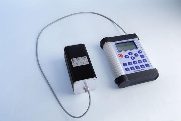 Рабочий эталон 2-го разряда - калибратор давления портативный Метран-517 с модулем эталонным Метран-518